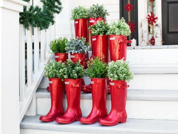 décoration de noël extérieur bottes rouges en caoutchouc plantes