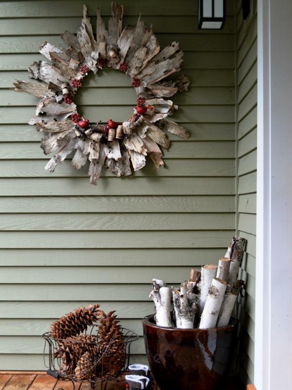 décoration de noël extérieur couronne en copeaux de bois