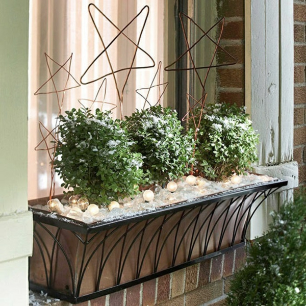 décoration de noël extérieur jardinière de fenêtre d'hiver