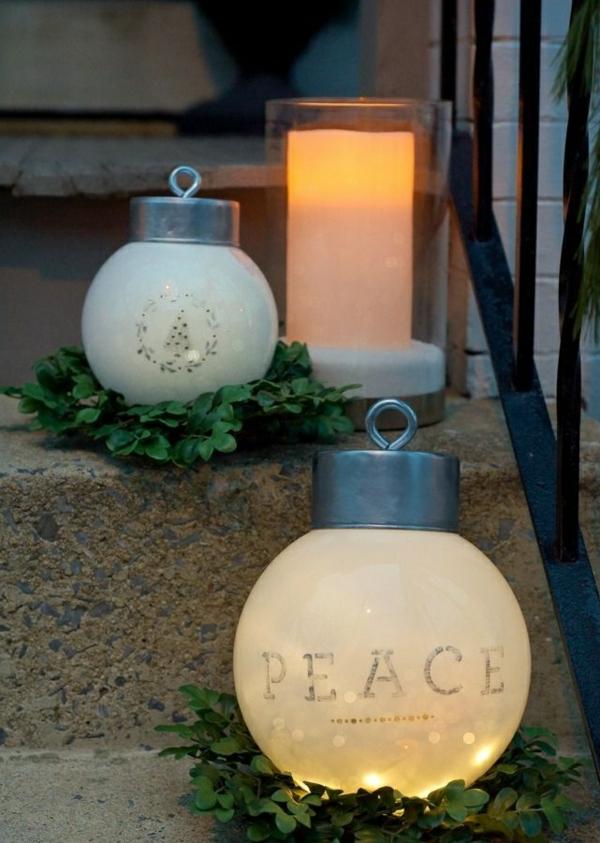 décoration de noël extérieur ornements boules géants