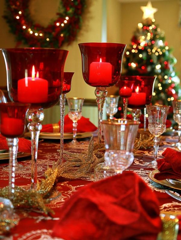 décoration de table Noël le rouge est privilégié