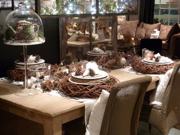 décoration de table Noël table en bois brut