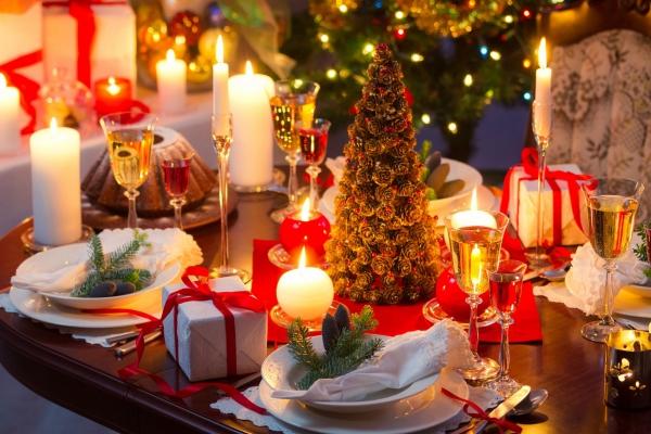 décoration de table Noël table exposée