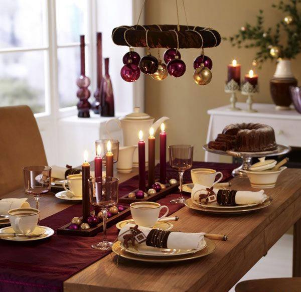 décoration de table Noël une nappe étroite
