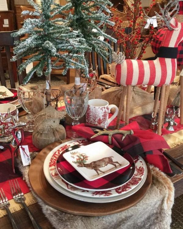 décoration de table Noël une table en bois brut