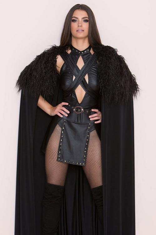 déguisement Halloween game of thrones une cape noire