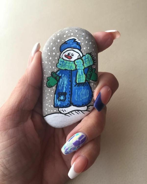 diy bonhomme de neige idée de peinture sur galets pour noël