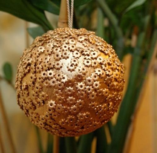 diy boule décorative idée bricolage noël pâtes alimentaires