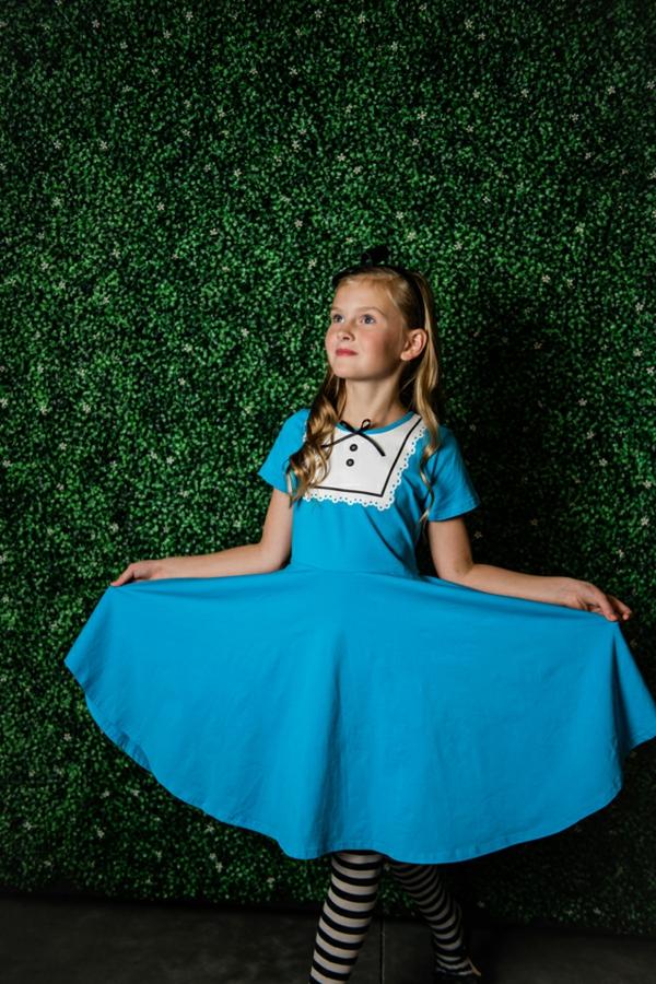 diy costume déguisement alice au pays des merveilles pour petite fille