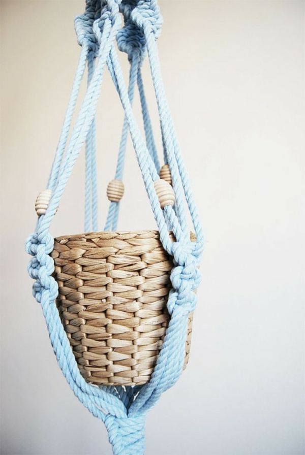 diy suspension macramé fil bleu clair