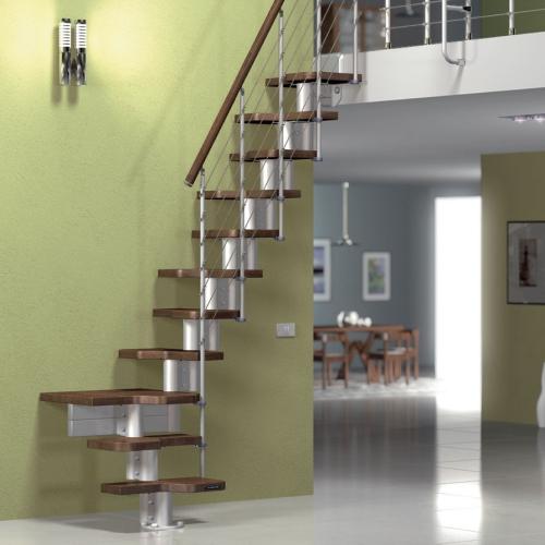escalier quart tournant de la salle à manger aux chambres