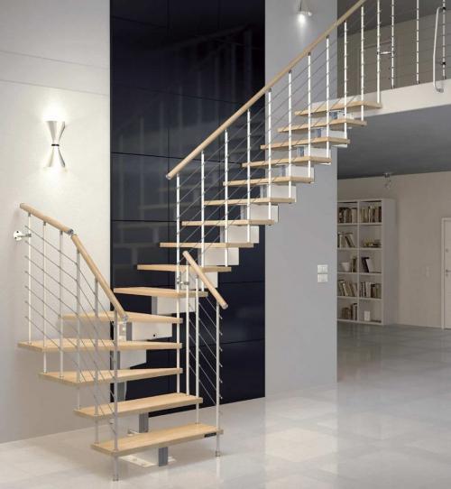 escalier quart tournant pour desservir dans un édifice public
