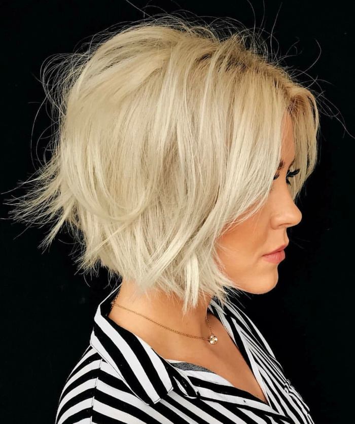 idée carré dégradé plongeant cheveux blonds
