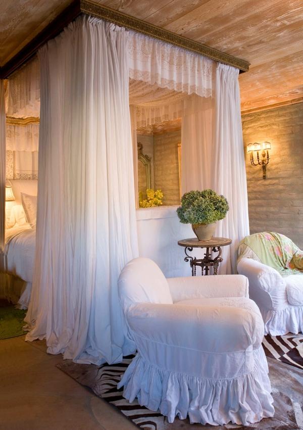 idée déco chambre adulte romantique draps en coton blanc