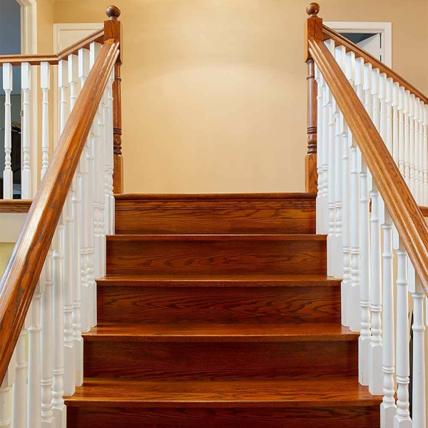 idée de cachette secrète maison contremarche escalier