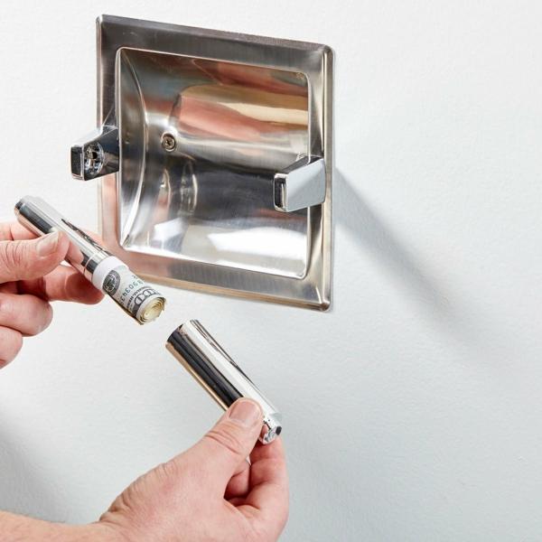 idée de cachette secrète maison dérouleur papier toilette