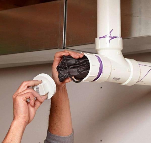 idée de cachette secrète maison faux tuyau
