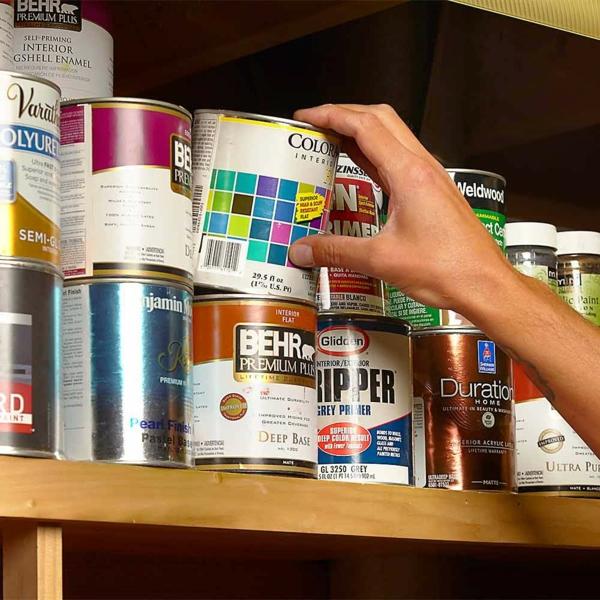 idée de cachette secrète maison pot de peinture vide