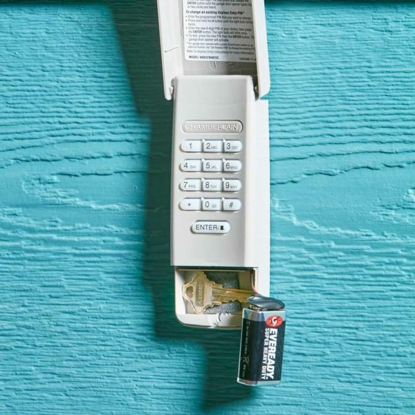 idée de cachette secrète maison système alarme