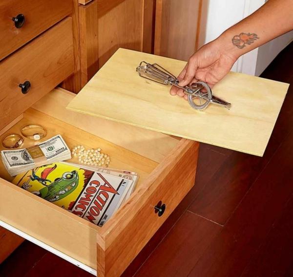 idée de cachette secrète maison tiroir à double fond