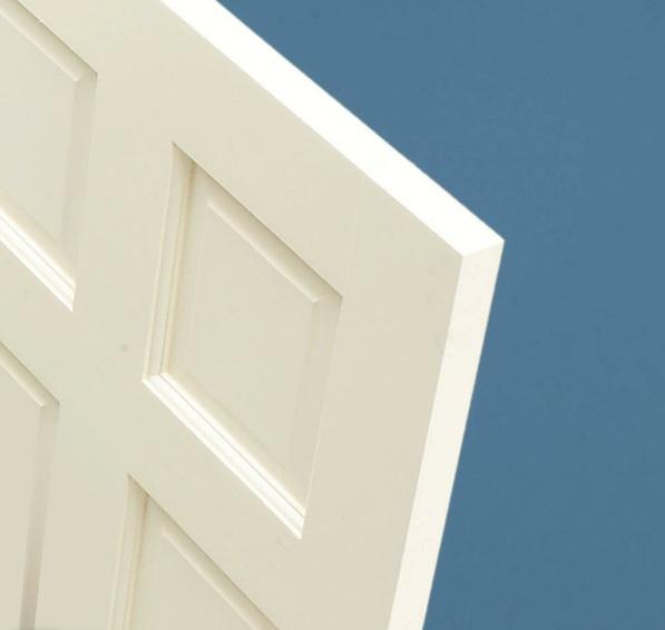 idée de cachette secrète maison trou dans la porte