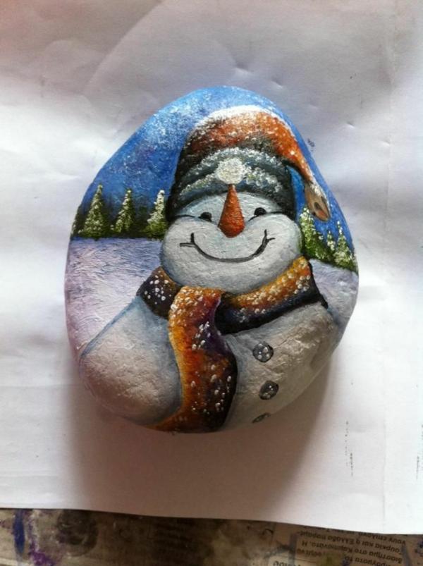idée de peinture sur galets pour noël bonhomme de neige
