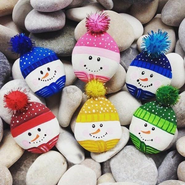 idée de peinture sur galets pour noël bonhommes de neige diy