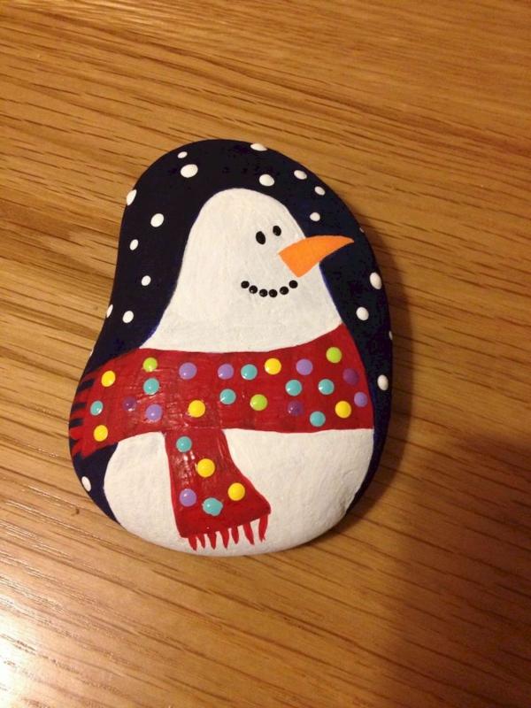 idée peinture sur galets noël bonhomme de neige diy
