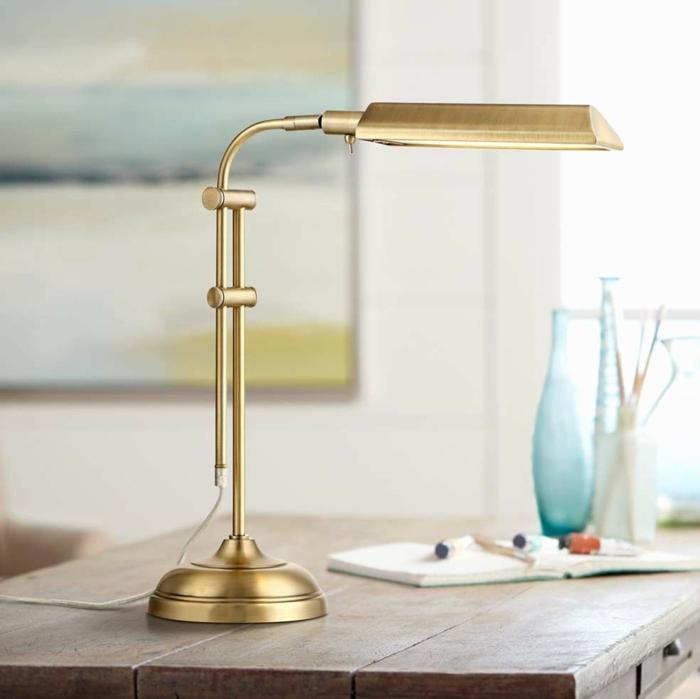 lampes de bureau modèle en laiton