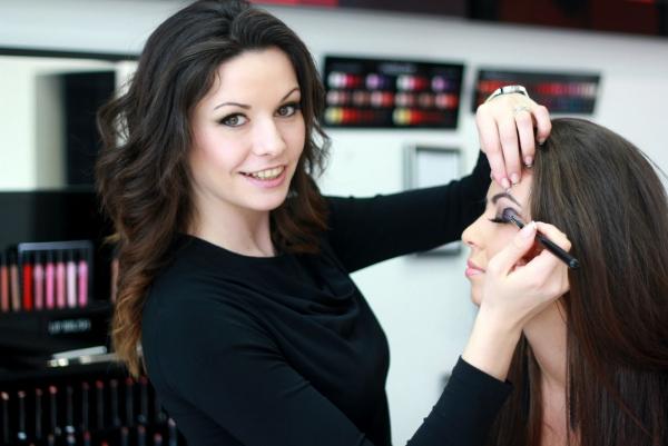 maquillage yeux de biche leçon de maquillage