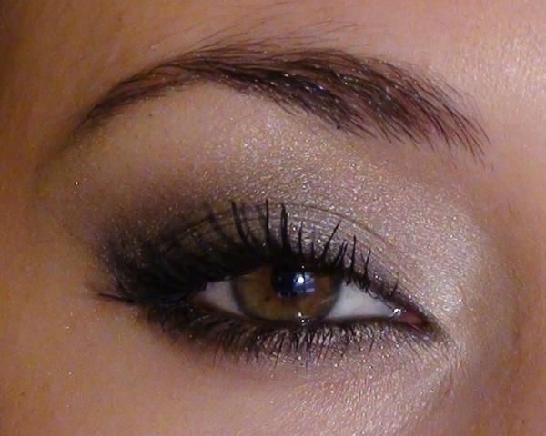 maquillage yeux de biche maquillage brillant