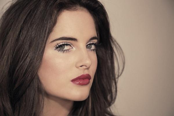 maquillage yeux de biche une perfection aux yeux verts