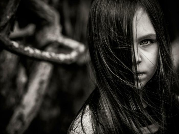 petite fille photographie noir et blanc
