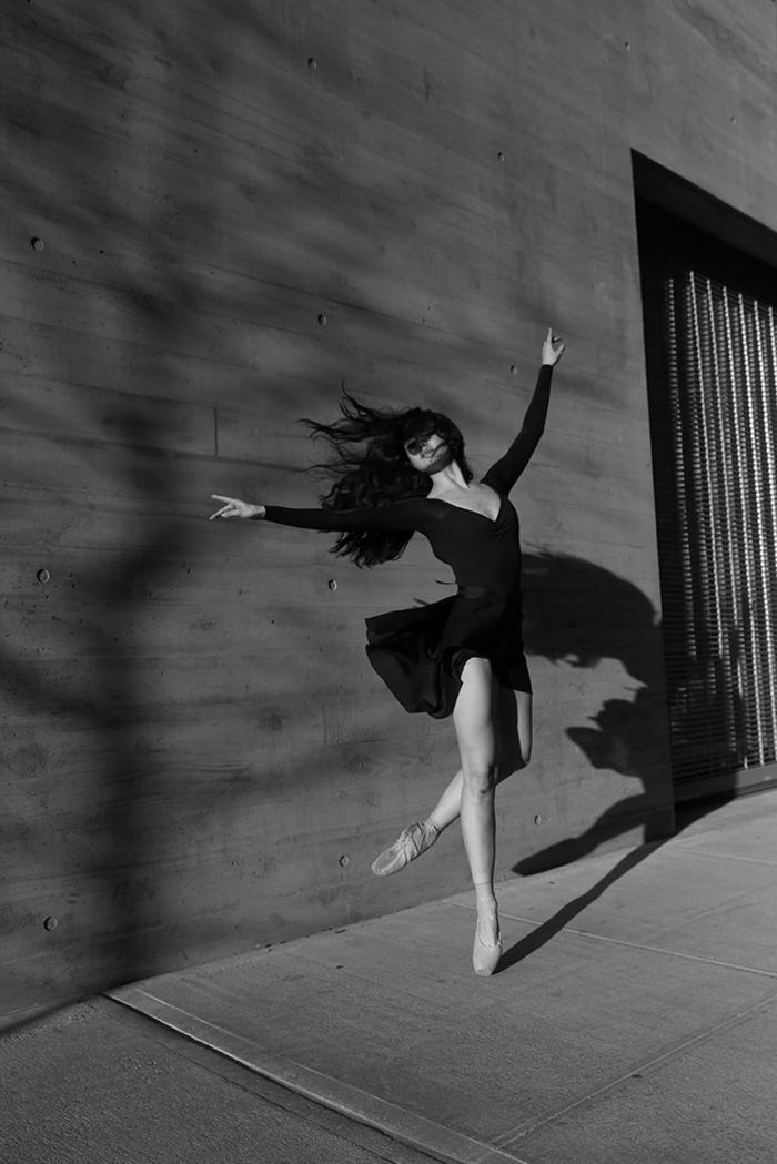 photographie noir et blanc danseuse de ballet