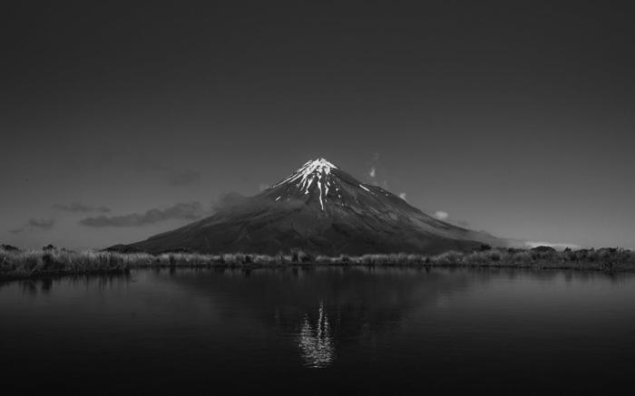 photographie noir et blanc paysage montagne