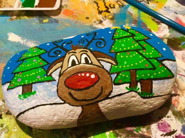 rudolphe idée diy peinture sur galets noël