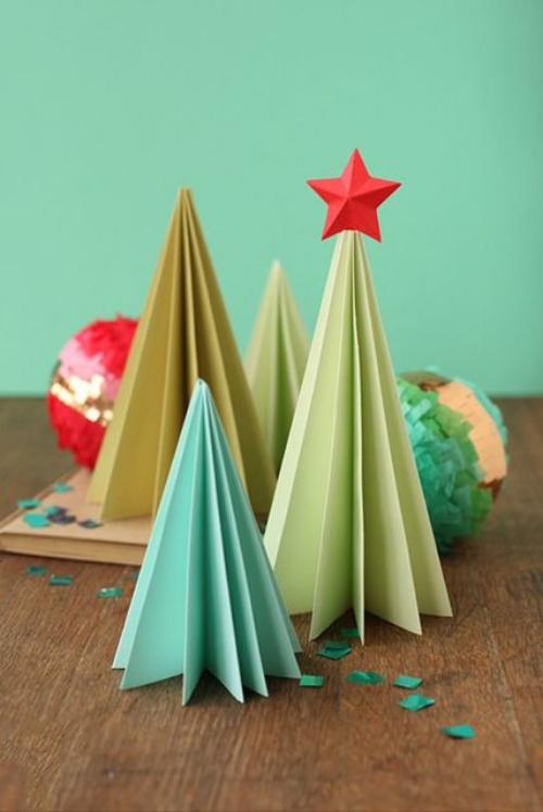 sapin de Noël en carton pliage