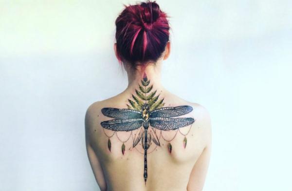 tatouage dos tattoo en couleurs