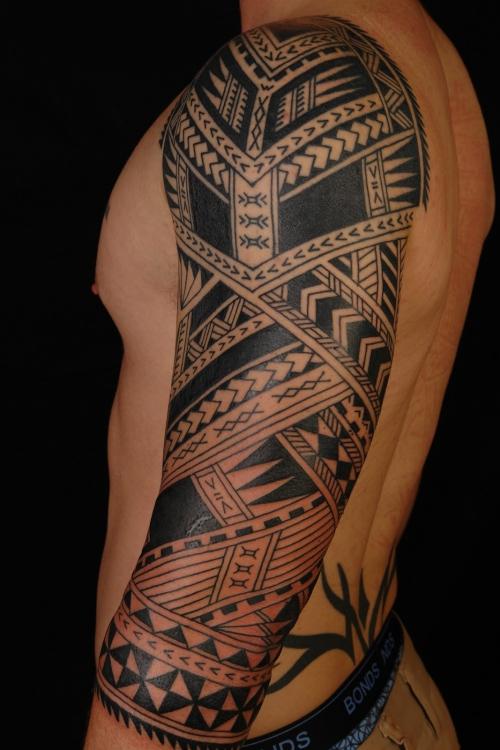 tatouage polynésien convenable pour homme
