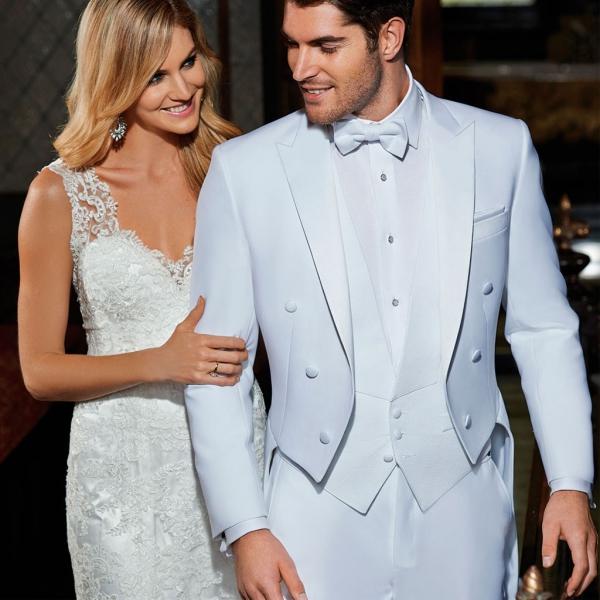tenue de soirée homme un beau couple en blanc