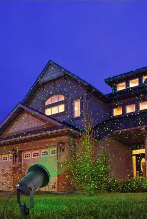 éclairage Noël extérieur pelouse verte