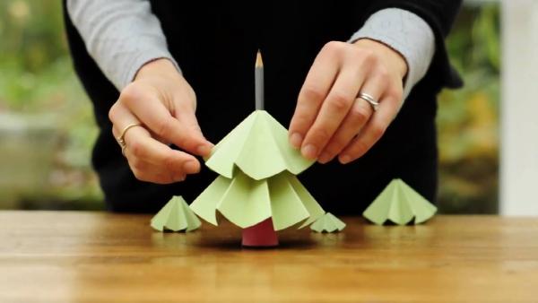 activité manuelle maternelle Noël un crayon pour tronc