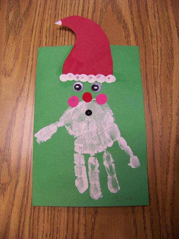 activité manuelle maternelle Noël une feuille verte