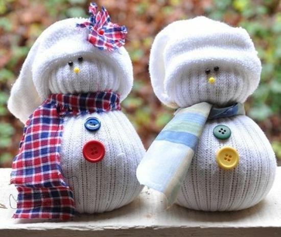 activité noël maternelle bonhomme de neige en chaussette