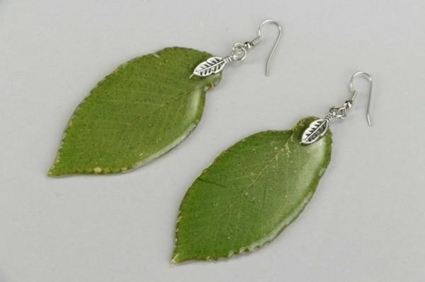 bijoux en résine à fabriquer soi-même boucles d'oreilles feuilles