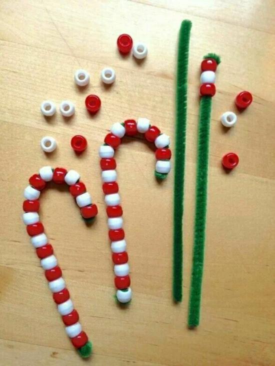 canne de sucre en perles en plastiques activité noël maternelle