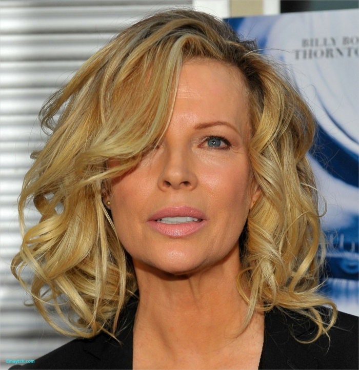 Idées de coupe cheveux courts femme 50 ans pour paraître plus jeune