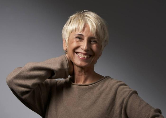 cheveux blonds fins coupe cheveux courts femme 50 ans