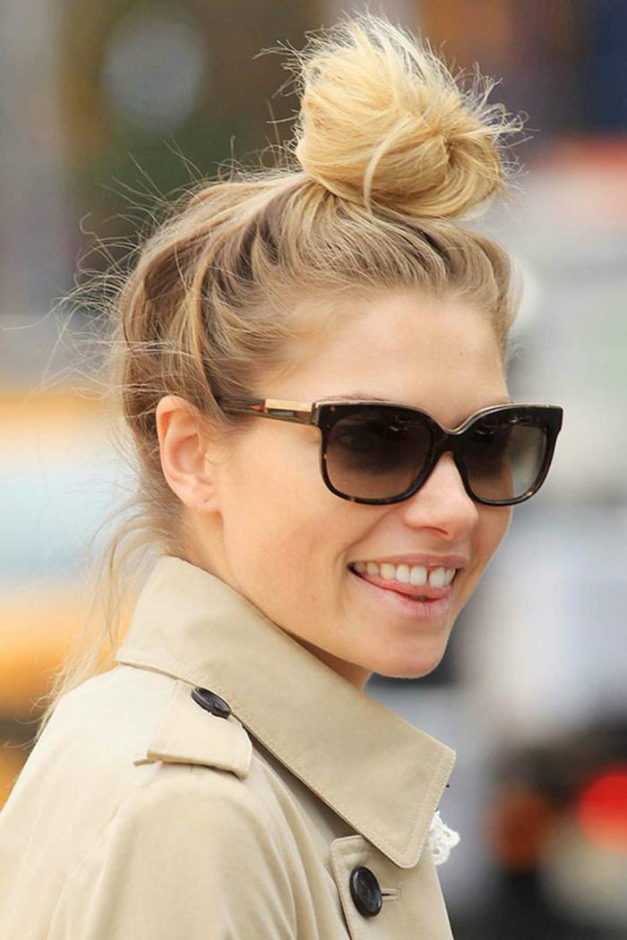 chignon flou cheveux blonds