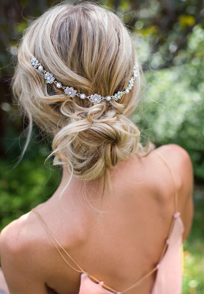 coiffure mariage idée chignon flou